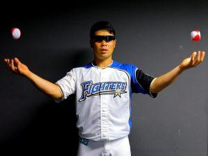 日ハム、近藤選手のビジョントレーニング(2)