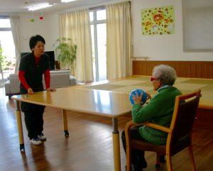 高齢者のトレーニング風景